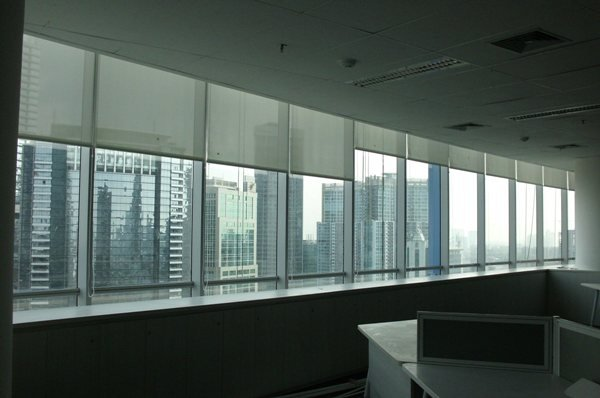 Horizontal Blind Axa Tower